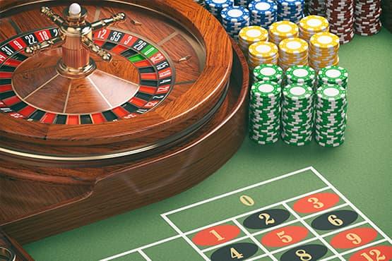Vue sur le Casino d'Aix-les-Bains de l'entrée principale